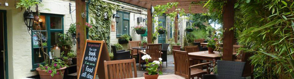 The Crown & Cushion - Blackwater, Surrey